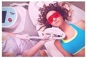 Haare entfernen mit einem Lasergerät